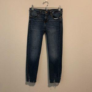Zara womens Basic Denim Jeans Raw hem Size 6 H10